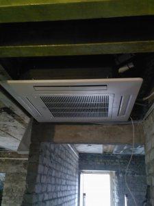 Montaż klimatyzatora LG na korytarzu